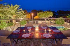 Terrasse der Villa Aurelia an der Cote d'Azur in Südfrankreich