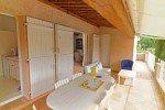 Balkon vor Küche und Wohnzimmer Ferienvilla Bambous mit Pool in Sainte-Maxime