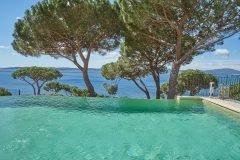 Cactus 2 Swimmingpool mit Blick auf den Golf von St. Tropez an der Cote d'Azur
