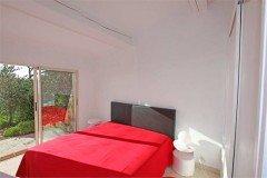 Schlafzimmer 1 im Haus Corniche direkt am Meer in Les Issambres an der Cote d Azur in Südfrankreich