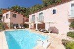 Villa Dolmens Ferienhaus in Les Issambres Côte d'Azur Südfrankreich-Haus und Poolebene