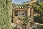 Sommerküche mit Grill der Villa Cactus 2 in Sainte Maxime, Cote d'Azur, Südfrankreich