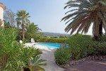 Poolterrasse vom Parkplatz Ferienhaus Latour mit Panorama-Meerblick in Les Issambres an der Cote d'Azur am Meer in Südfrankreich