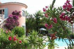 Latour Haus und Pool