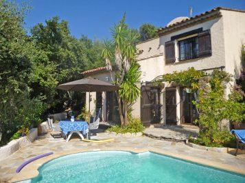 Terrasse vor dem des Ferienhaus Lavandes in Les Issambres an der Cote d'Azur in Südfrankreich