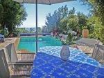 Poolterrasse und Blick des Ferienhauses Lavandes in Les Issambres an der Cote d'Azur in Südfrankreich