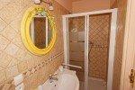 Bad der Wohnung 2 im Haus Levellier in Les Issambres an der Cote d Azur