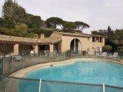 Mourila Pool und Haus