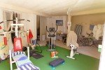 Fitnessraum in der Villa Mourvedre in Les Issambres an der Cote d'Azur am Meer in Südfrankreich