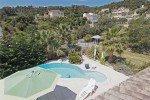 Mourvedre Pool und Garten