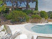 Pastourelle Pool und Haus