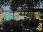 Tumulus-P-Pergola am Pool mit Blick aufs Meer