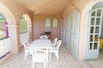 Villa Rigaou Ferienhaus in Sainte Maxime Côte d'Azur Südfrankreich-überdachte Terrasse und Grill
