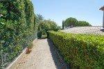 Villa Rigaou Ferienhaus in Sainte Maxime Côte d'Azur Südfrankreich--Bouleplatz hinter dem Haus