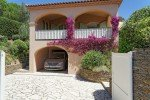 Villa Rigaou Ferienhaus in Sainte Maxime Côte d'Azur Südfrankreich-Haus von der Einfahrt
