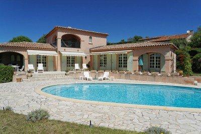 Villa Rigaou Ferienhaus in Sainte Maxime Côte d'Azur Südfrankreich-Pool und Haus