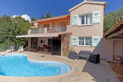 Pool, Haus und überdachte Terrasse Ferienhaus Triton G in Les Issambres an der Cote d Azur