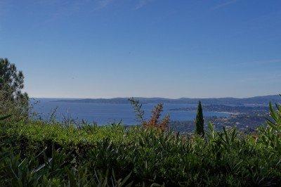 Studio Varazur-Blick vom Garten auf das Meer