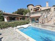 Virettes Haus und Pool
