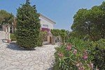 Belaigo Ferienhaus in Les Issambres Côte d'Azur Südfrankreich-Blick vom Carport zum Haus